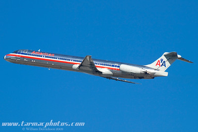 AmericanAirlinesMcDonnellDouglasMD82N490AA_1