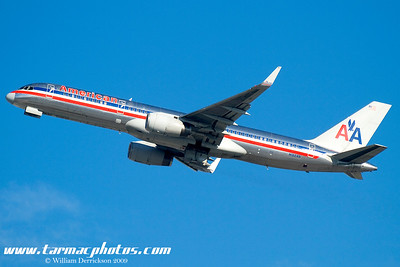 AmericanAirlinesBoeing757223N192AN_16