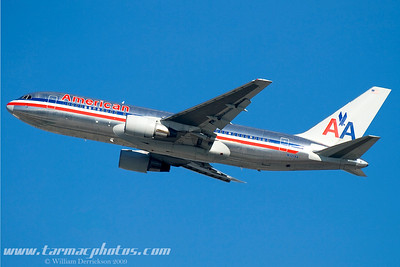 AmericanAirlinesBoeing767223N321AA_7