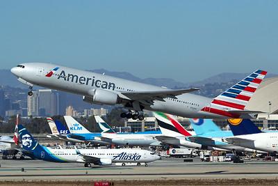 American Airlines Boeing 777-223(ER) N762AN 11-2-16