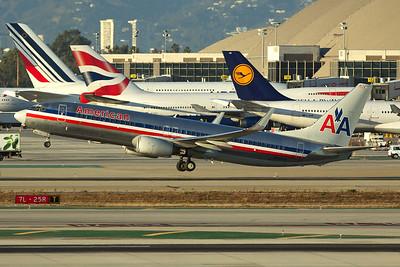 American Airlines Boeing 737-823 N932AN 11-2-16