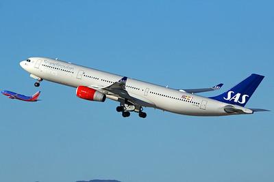 Scandinavian Airlines (SAS) Airbus A330-343 LN-RKR 11-2-16 2