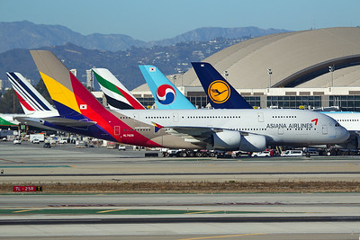 Asiana Airlines Airbus A380-841 HL7626 11-2-16