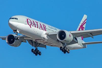 Qatar Airways Boeing 777-2DZ(LR) A7-BBC 12-18-17