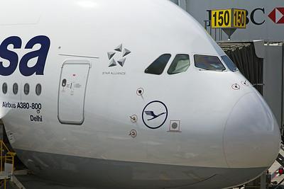 Lufthansa Airbus A380-841 D-AIMM 4-25-17