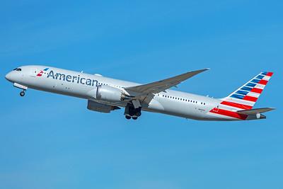 American Airlines Boeing 787-9 N825AA  12-18-17