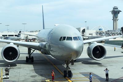 Alitalia Boeing 777-243(ER) EI-DDH 4-25-17
