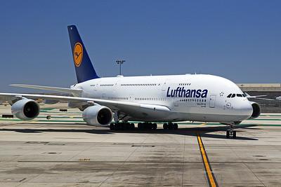 Lufthansa Airbus A380-841 D-AIMH 6-14-17