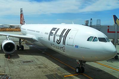 Fiji Airways Airbus A330-343 DQ-FJW 4-25-17