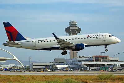 Compass Airlines ERJ-170-200LR N634CZ 4-25-17