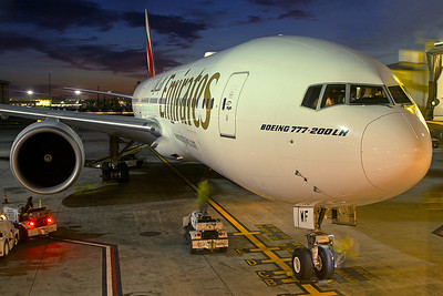 Emirates Boeing 777-21HLR A6-EWF 4-25-17