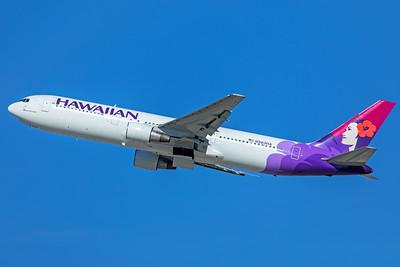 Hawaiian Airlines Boeing 767-33A(ER) N583HA 12-18-17