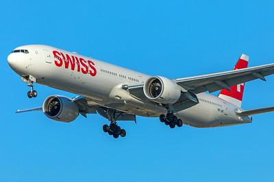 Swiss Boeing 777-3DE(ER) HB-JNF 1-31-18
