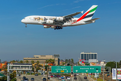 Emirates Airbus A380-861 A6-EOM 2-9-18