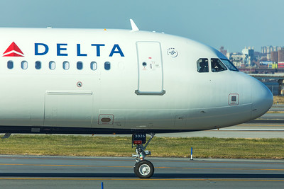 Delta Airlines Airbus A321-211 N326DN 11-29-17