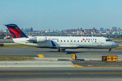 Endeavor Air Bombardier CL-600-2B19 N8894A 11-29-17