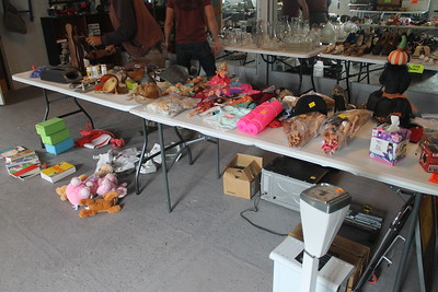 KLLG radio and retailer rummage sale
