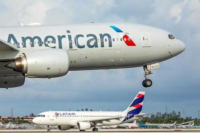 American Airlines Boeing 777-223(ER) N750AN 11-28-17 2