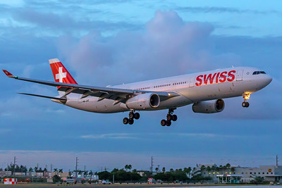 Swiss Airbus A330-343 HB-JHF 11-28-17