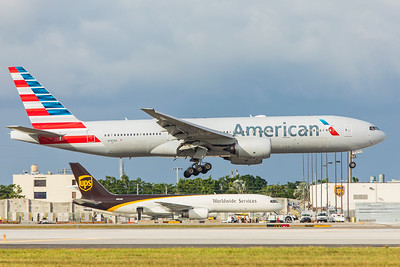 American Airlines Boeing 777-223(ER) N797AN 11-28-17