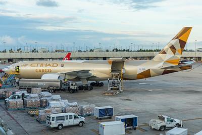 Etihad Airways Cargo Boeing 777-FFX A6-DDD 11-28-17 2