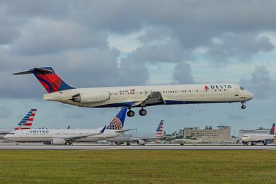 Delta Airlines McDonnell Douglas MD-88 N900DE 11-28-17