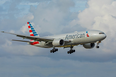 American Airlines Boeing 777-223(ER) N750AN 11-28-17