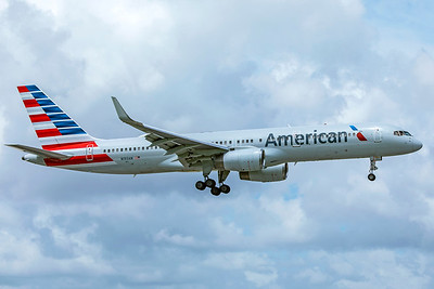 American Airlines Boeing 757-223 N193AN 9-4-18