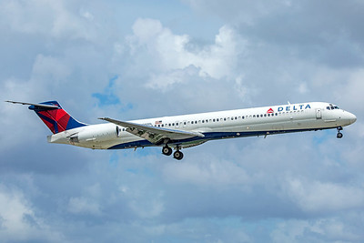 Delta Air Lines McDonnell Douglas MD-88 N980DL 9-4-18