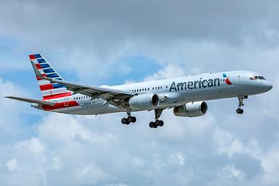 American Airlines Boeing 757-223 N186AN 9-4-18