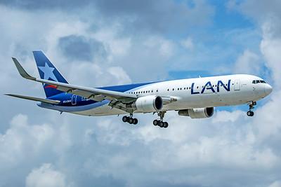 LATAM Airlines Chile Boeing 767-316(ER) CC-CXI 9-4-18