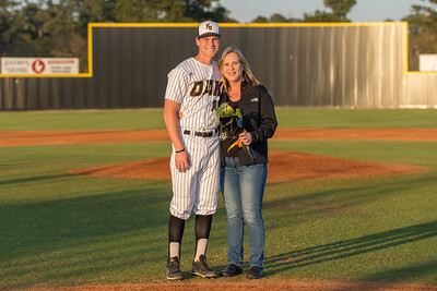 Senior_Night_2018-09195
