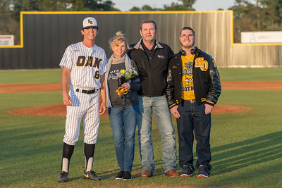 Senior_Night_2018-09190