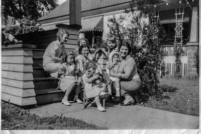 Irene, Grandma Blechle, Fran, Grandma Bee, Bill, Mary, Aunt Helen