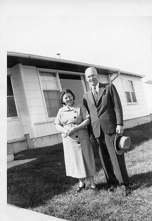 Jim and Bee Early 1950's Aunt Helen's house in DePares