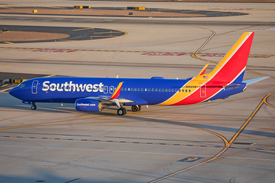 Southwest Airlines Boeing 737-8H4 N8523W 7-3-17