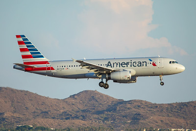 American Airlines Airbus A320-232 N673AW 7-3-17