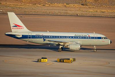 American Airlines Airbus A319-112 N745VJ 7-3-17 2