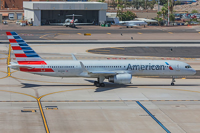American Airlines Boeing 757-2B7 N939UW 5-30-18
