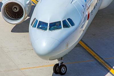 American Airlines Airbus A321-211 N162UW 5-30-18 2