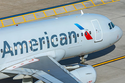 American Airlines Airbus A319-132 N830AW 2-2-18 2