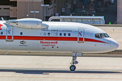 Honeywell International Boeing 757-225 N757HW 5-30-18 3