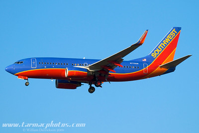 SouthwestAirlinesBoeing7377H4N775SW_1