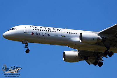 DeltaAirlinesBoeing757231N722TW_6