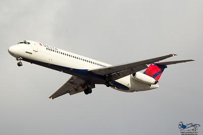 DeltaAirlinesMcDonnellDouglasDC951N784NC_12