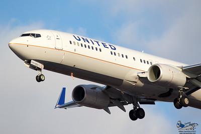 UnitedAirlinesboeing737924ERN68802_15