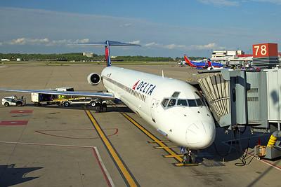 Delta Airlines McDonnell Douglas MD-88 N925DL 5-14-17