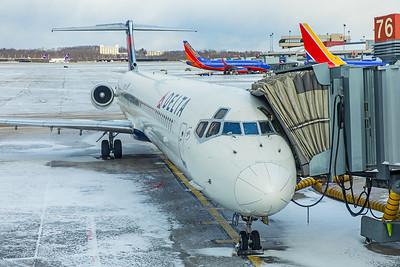 Delta Airlines McDonnell Douglas MD-88 N955DL 12-25-17