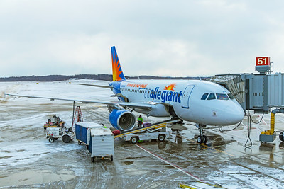 Allegiant Air Airbus A319-111 N326NV 12-25-17