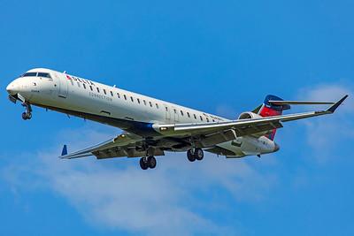 Endeavor Air Bombardier CL-600-2D24 CRJ-900LR N349PQ 8-12-18
